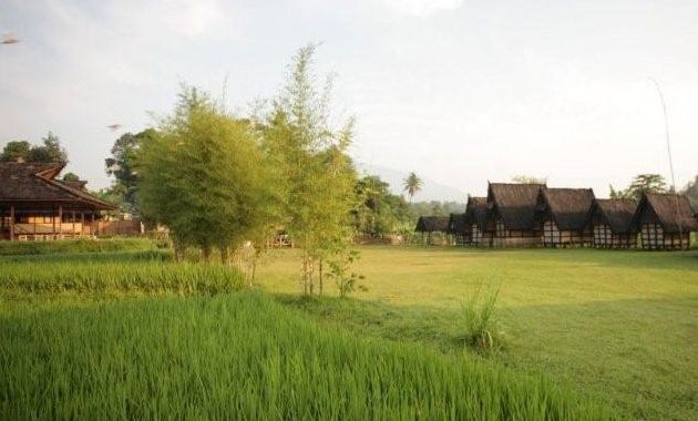 kampung budaya sindang barang alamat