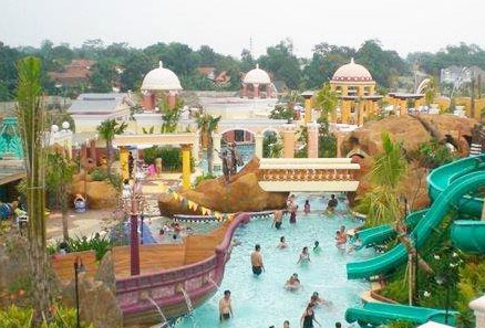 kolam renang marcopolo bukit cimanggu city
