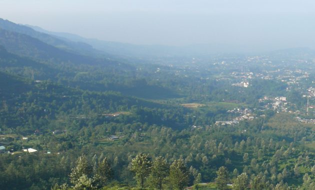rute lokasi bukit paralayang puncak