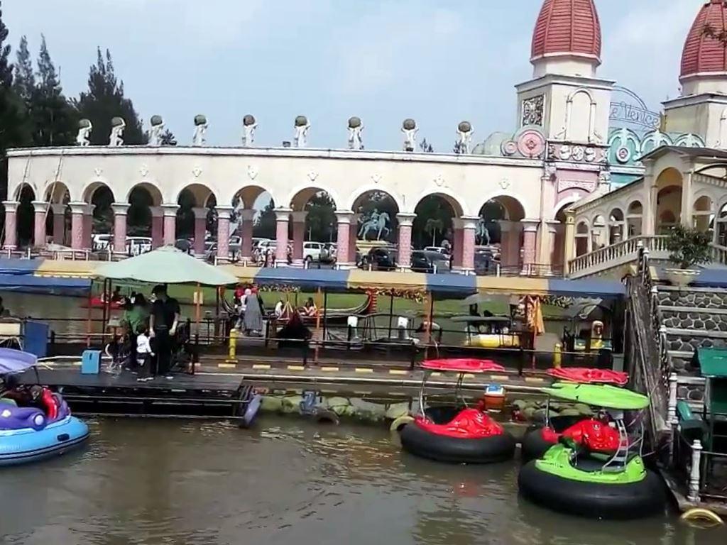 Tempat Wisata Little Venice Kota Bunga Puncak Bogor Portal Seputar
