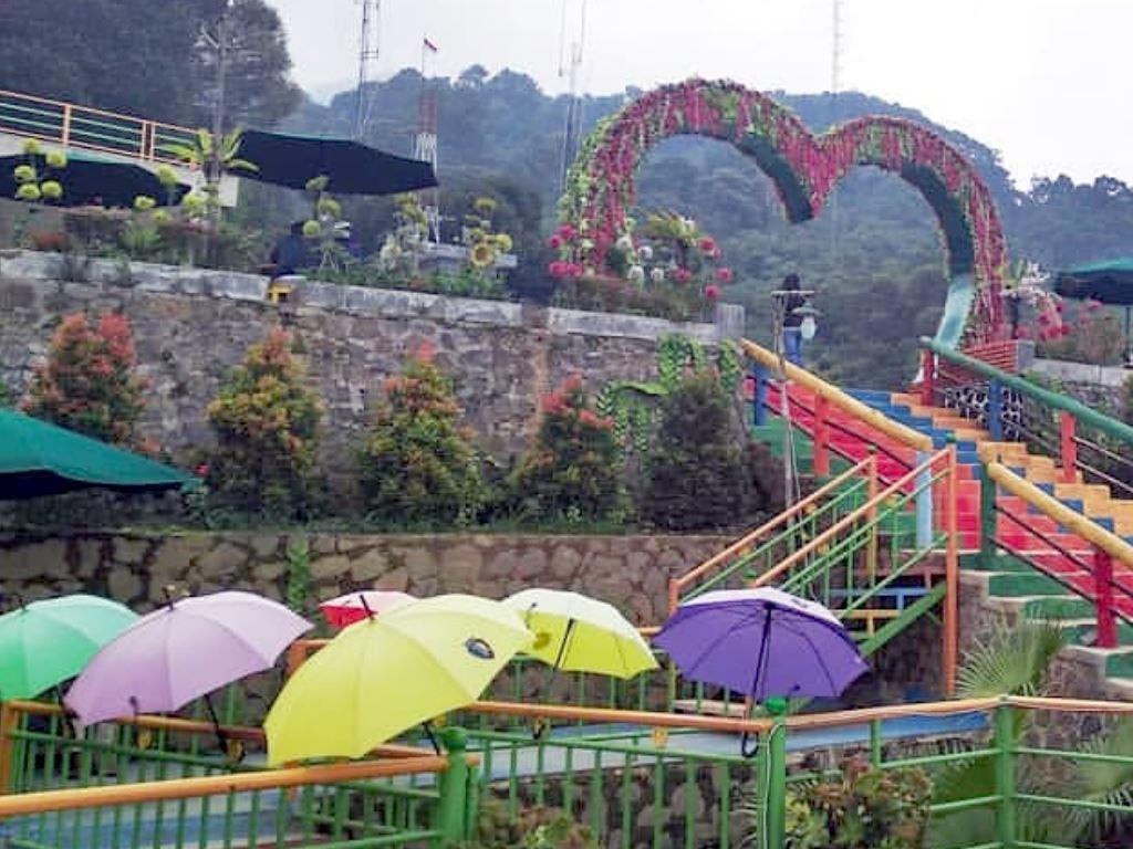 Tempat Wisata Asik buat foto-foto di Kampung Salaka ...