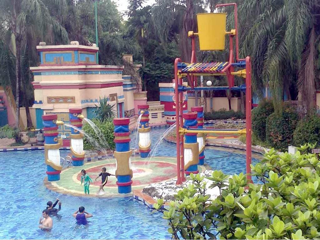 Wahana Air Keluarga Kolam Renang El Dorado Waterpark Cibubur