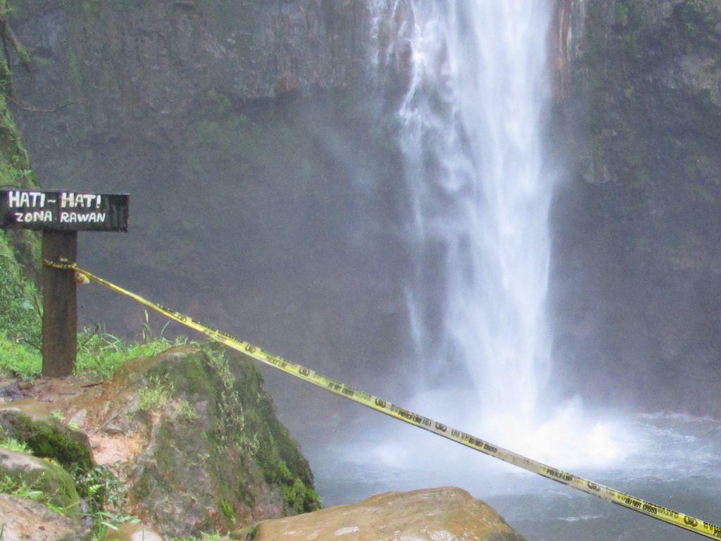 Wisata dengan banyak Mitos Ke Curug Seribu di kaki Gunung Salak